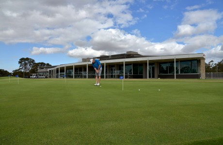 Practise green rear clubhouse-P45